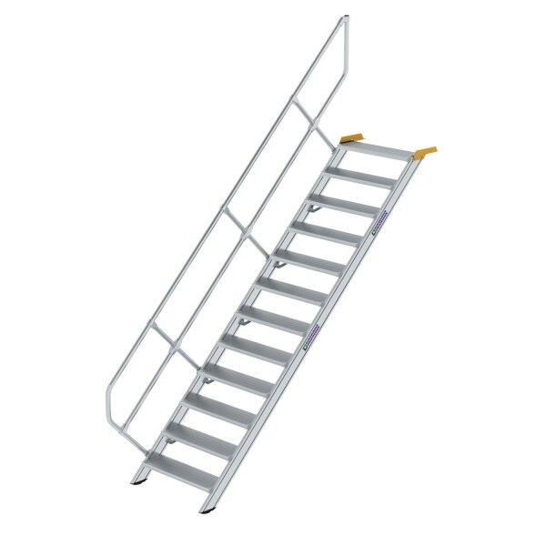 Treppe 45° Stufenbreite 800 mm 12 Stufen Aluminium geriffelt