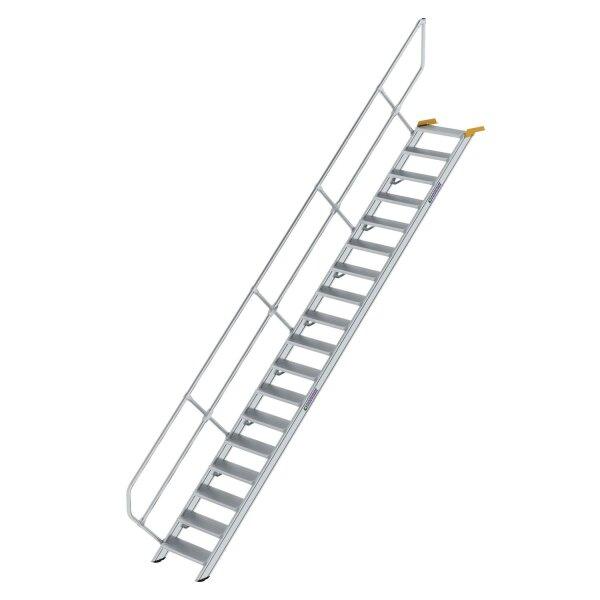 Treppe 45° Stufenbreite 600 mm 18 Stufen Aluminium geriffelt